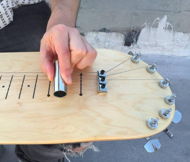 guitarskatedeck3-900x766