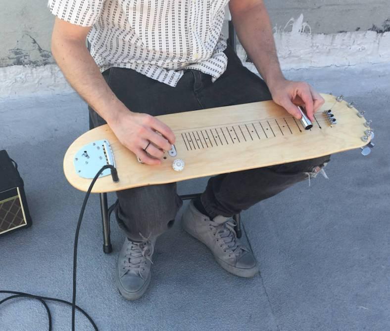 guitarskatedeck4-900x766