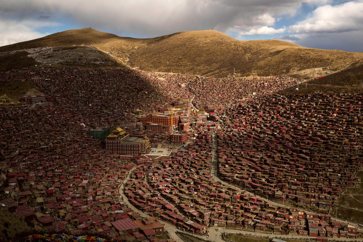 Tibetan Buddhists Gather for the Bliss Dharma Assembly