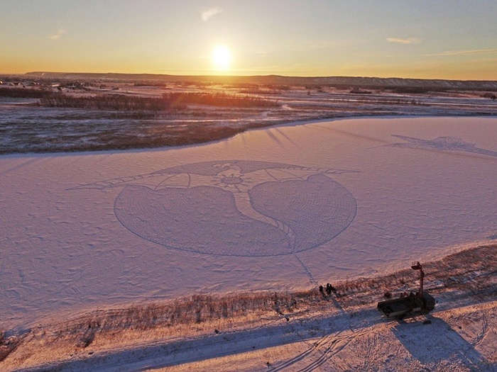 snow-dragon-land-art-siberia-simon-beck-drakony-8