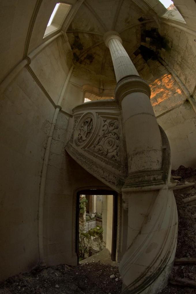 chateau-de-la-mothe-chandeniers-16-680x1022