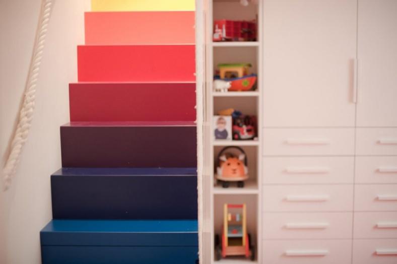 rainbow-stairs_241215_02