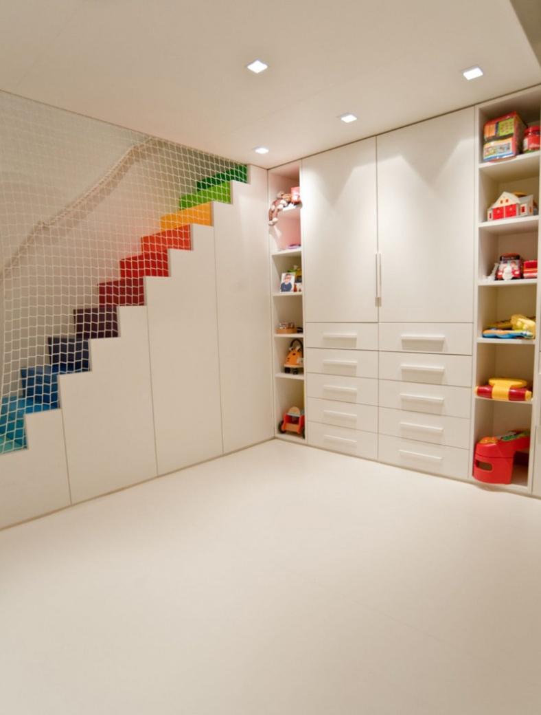 rainbow-stairs_241215_03
