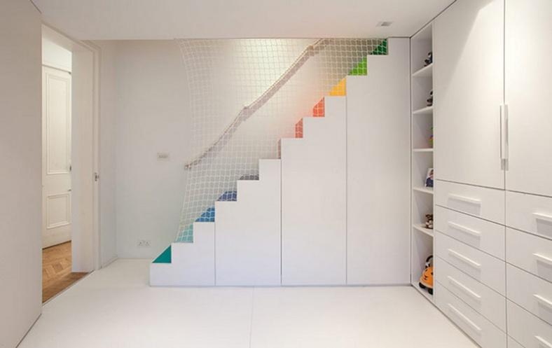 rainbow-stairs_241215_04