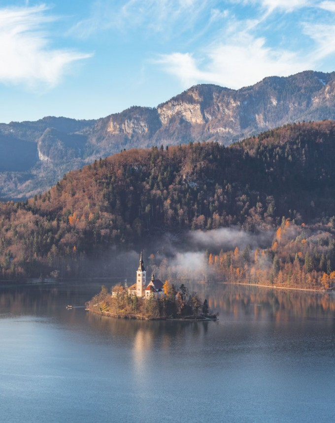 another-magical-sunrise-at-lake-bled-in-slovenia-20__880-680x859