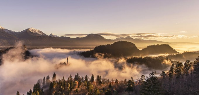 capturing-a-spectacular-sunrise-at-lake-bled2__880-680x327