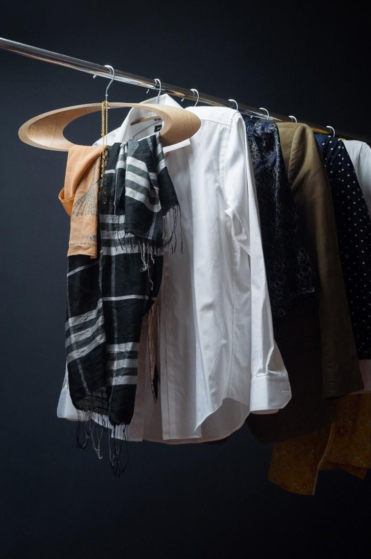 coat-hangers_090116_10-800x1205