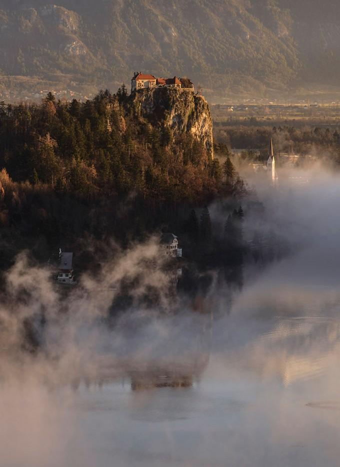 mist-sunrise-landscape-photography-ales-krivec-lake-bled-slovenia-680x935