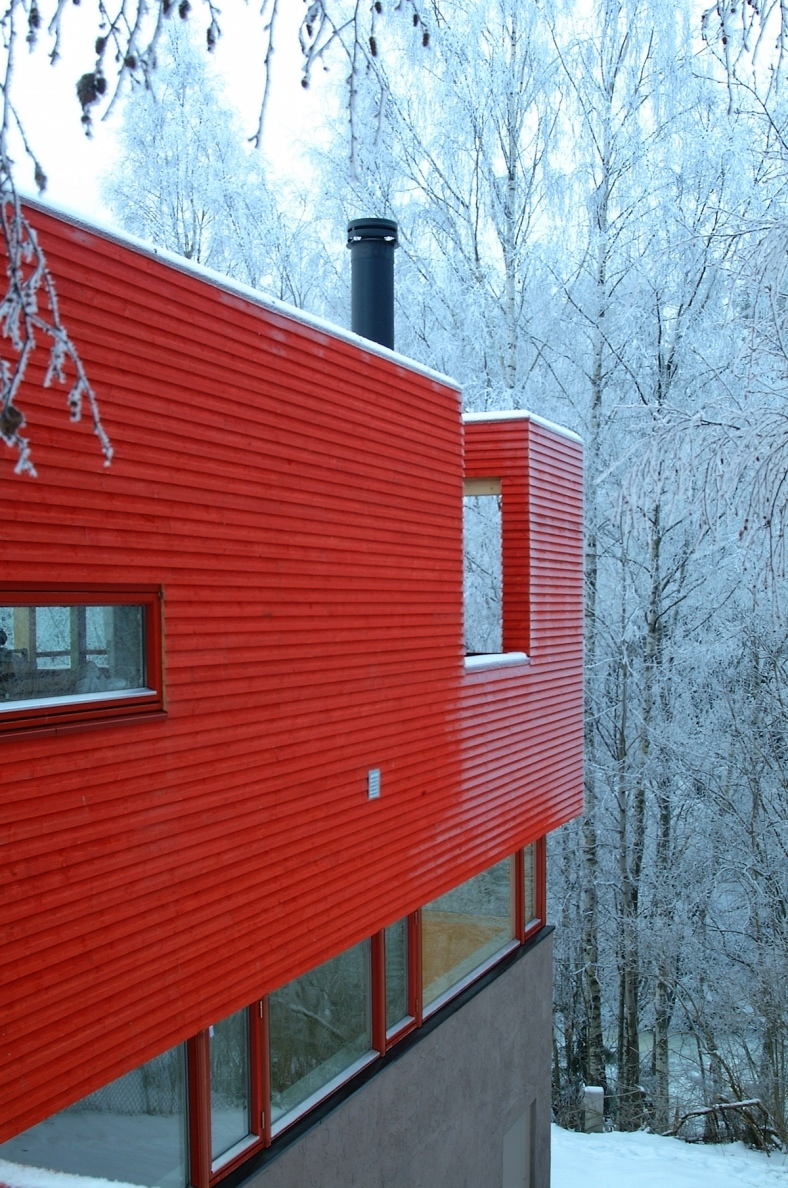 red-house-exterior-2