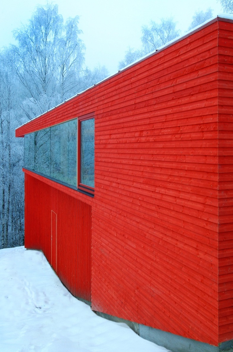 red-house-exterior-5