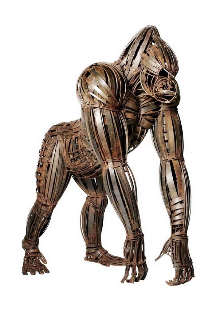 spectacular-wildlife-humans-and-buildings-bronze-sculptures-13-716x1024