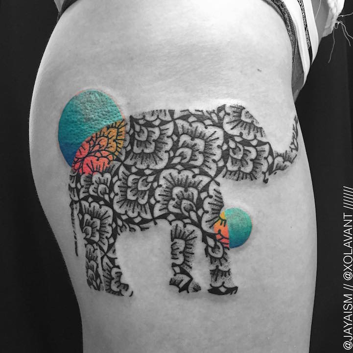 lovely-black-tattoos-with-geometrical-patterns-10