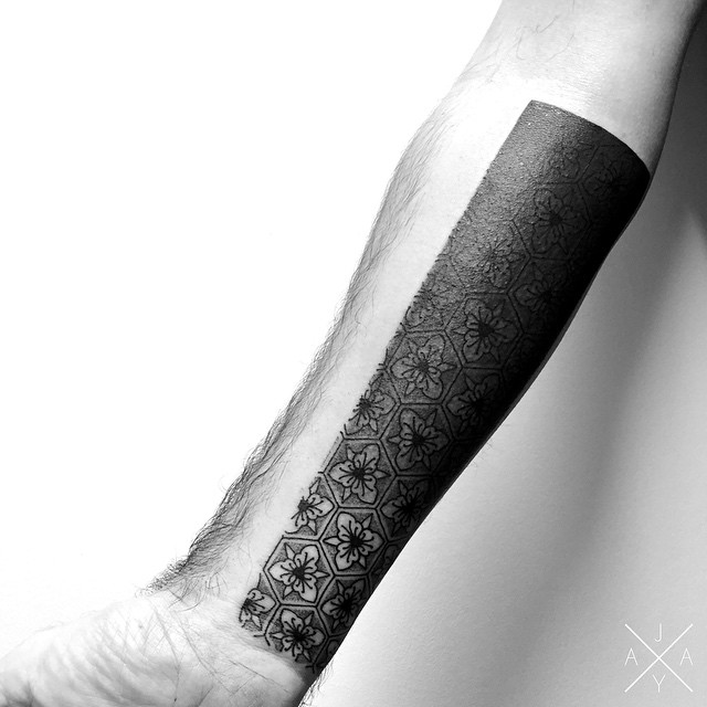 lovely-black-tattoos-with-geometrical-patterns-8