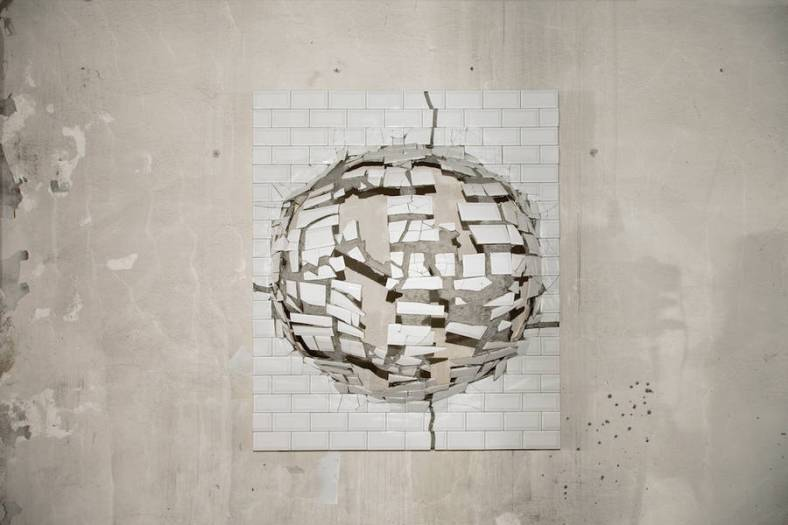 artistic-broken-items-by-graziano-locatelli-1-900x600