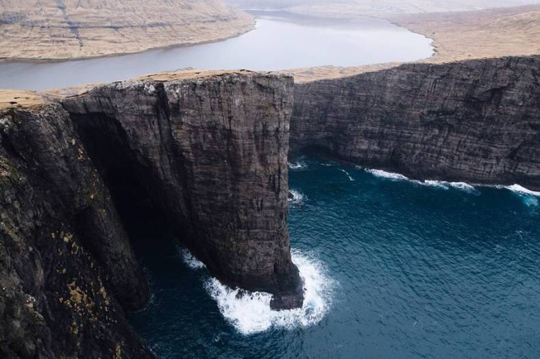superb-pictures-of-the-faroe-islands13-900x600